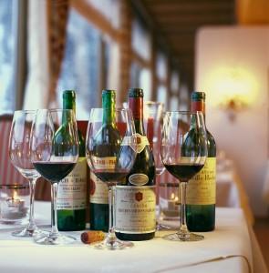 Degustation von edlen Weinen in Österreich
