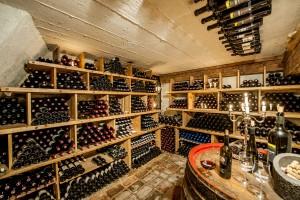 Wöchentliche Weinverkostung im Hotel Mondschein am Arlberg