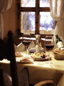 Gemütliche Stunden in der Barstube im Romantik Hotel Krone genießen