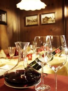 Haubenköche, Winzer, Sommeliers und Gourmets aus aller Welt im Stüble im Hotel Krone